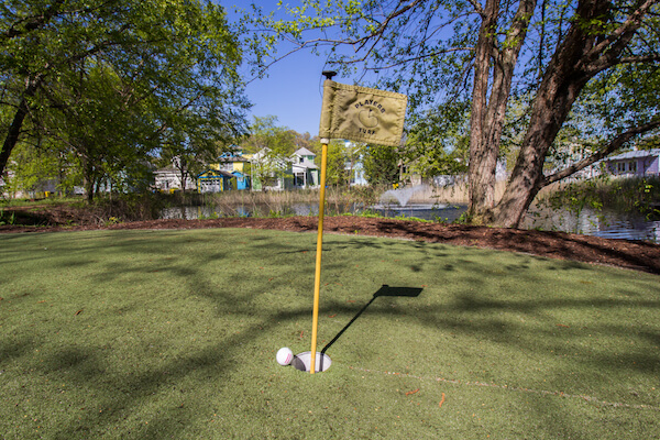 Beachwalk Putting Green and Fountain Amenities